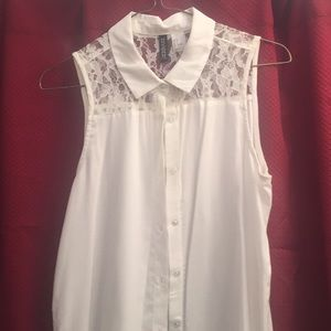 H&M sleeveless button down with lace